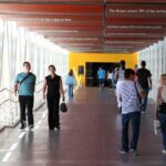 Pasarela de entrada al Oceanario en el Parque de las Naciones de Lisboa