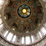 Interior de la cúpula del Dom Catedral de Berlín