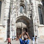 Puerta Sur del Monasterio de los Jerónimos en Belem en Lisboa