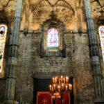 Vidrieras en la iglesia del Monasterio de los Jerónimos en Lisboa