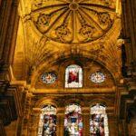 Vidrieras y bóveda nervada en la Catedral de Málaga