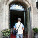 Entrada a la tienda de chocolates Fassbender & Rausch en Berlín