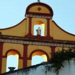 Campanario de la iglesia del Convento de los Capuchinos desde Cuesta del Bailío en Córdoba