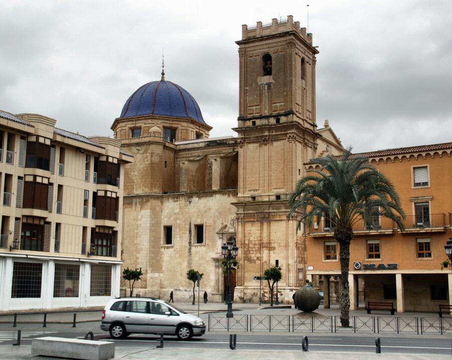 Basílica menor de Santa María en Elche