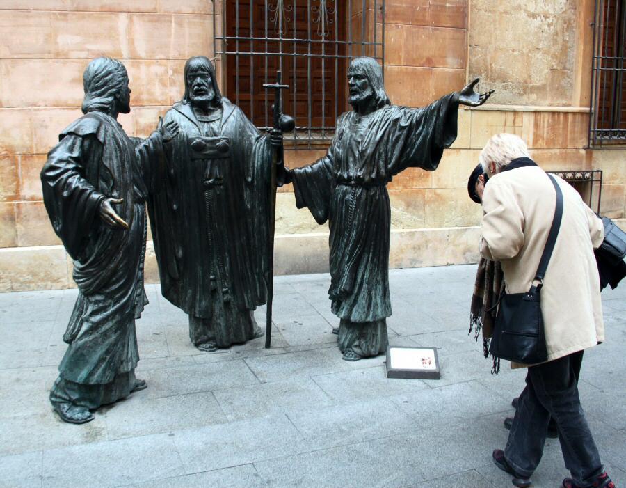 http://guias-viajar.com/wp-content/uploads/2012/01/fotos-elche-basilica-menor-santa-maria-008-2.jpg