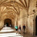 Galería del Claustro del Monasterio de los Jerónimos de Belem en Lisboa