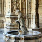 Fuente en el Claustro del Monasterio de los Jerónimos de Belem en Lisboa