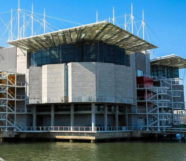 Edificio del Oceanario en el Parque de las Naciones de Lisboa