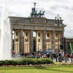 Puerta de Brandenburgo desde la plaza de París en Berlín