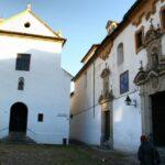 Iglesias de los Capuchinos y los Dolores en la plaza de los Capuchinos en Córdoba