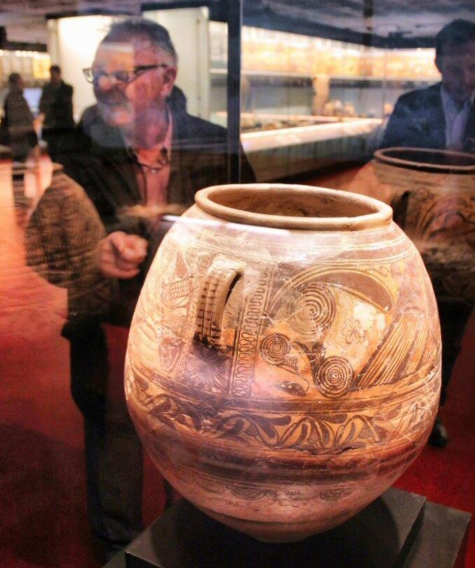 Anfora en el MAHE Museo Arqueológico de Elche