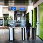 Control de entrada a las habitaciones de la residencia Melon District Marina en Barcelona