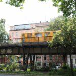 Metro en el barrio turco Kreuzberg de Berlín
