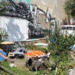 Terraza de bar en un rincón del barrio turco Kreuzberg de Berlín