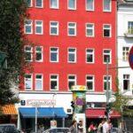 Fachadas de casas en el barrio turco Kreuzberg de Berlín