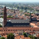 Vistas panorámicas de la iglesia de los Jesuitas de Heidelberg desde el castillo