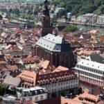 Vistas panorámicas de la iglesia del Espíritu Santo de Heidelberg desde el castillo