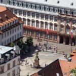 Vistas de la plaza del Mercado de Grano de Heidelberg desde el castillo