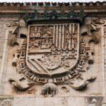 Escudo nobiliario en el Archivo del Adelantamiento de Castilla en Covarrubias en Burgos
