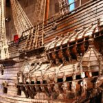 Detalle del gran barco del siglo XVII en el museo Vasa de Estocolmo