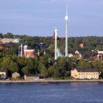 Vistas panorámicas del parque de atracciones Grona Lund de Estocolmo desde el mirador del Ascensor Katarina