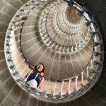Escalera de subida al Faro de las Ballenas en la isla de Ré cerca de La Rochelle