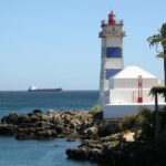 Faro de Cascais en Costa Estoril en los alrededores de Lisboa