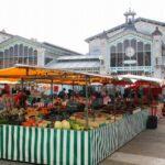 Mercado de La Rochelle al oeste de Francia