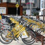 Bicicletas de alquiler en La Rochelle al oeste de Francia