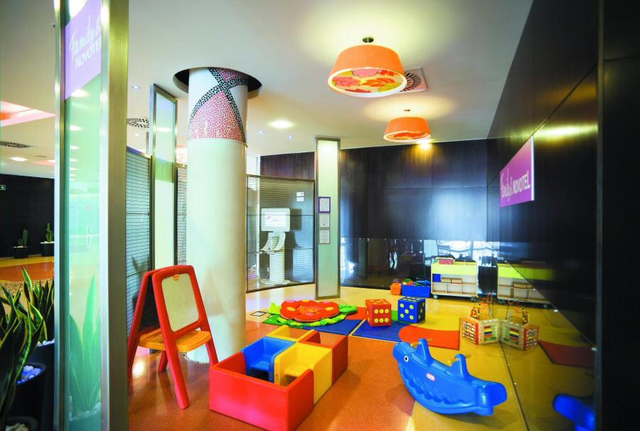 Ofertas para familias en hoteles novotel gu as viajar for Hoteles en barcelona centro para familias