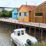 Casas de pescadores en el puerto de Chateau d´Oléron en la isla de Oléron en Francia