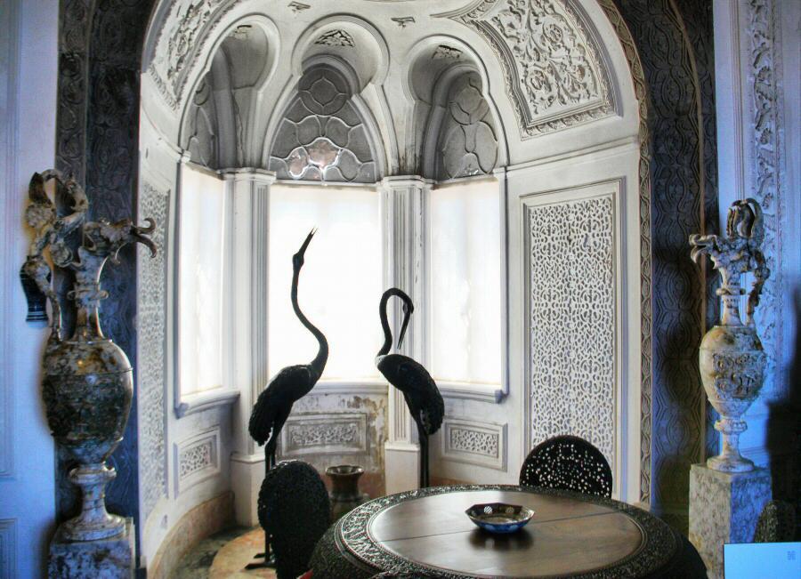 Salón de estilo indiano en el palacio da Pena en Sintra
