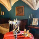 Dormitorio en el interior del palacio da Pena en Sintra