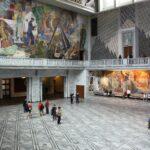 Salón principal del Ayuntamiento de Oslo en Noruega