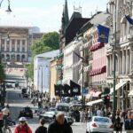Calle principal Karl Johans en el centro de Oslo