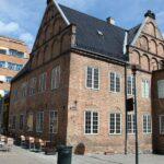 Edficio histórico en el centro de Oslo en Noruega