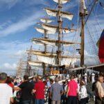 Gran ambiente visitando los barcos veleros en la Tall Ships Race 2012 en A Coruña