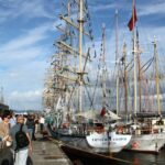 Grandes barcos veleros en la Tall Ships Race en A Coruña