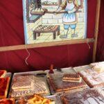 Productos gastronómicos en el Mercado Medieval de Mondoñedo en Galicia