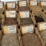 Productos de herboristería en el Mercado Medieval de Mondoñedo en Galicia