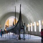 Barco de Oseberg en el Museo de Barcos Vikingos de Oslo en Noruega