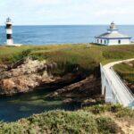 Faro de isla Pancha en Ribadeo en las Rías Altas de Galicia