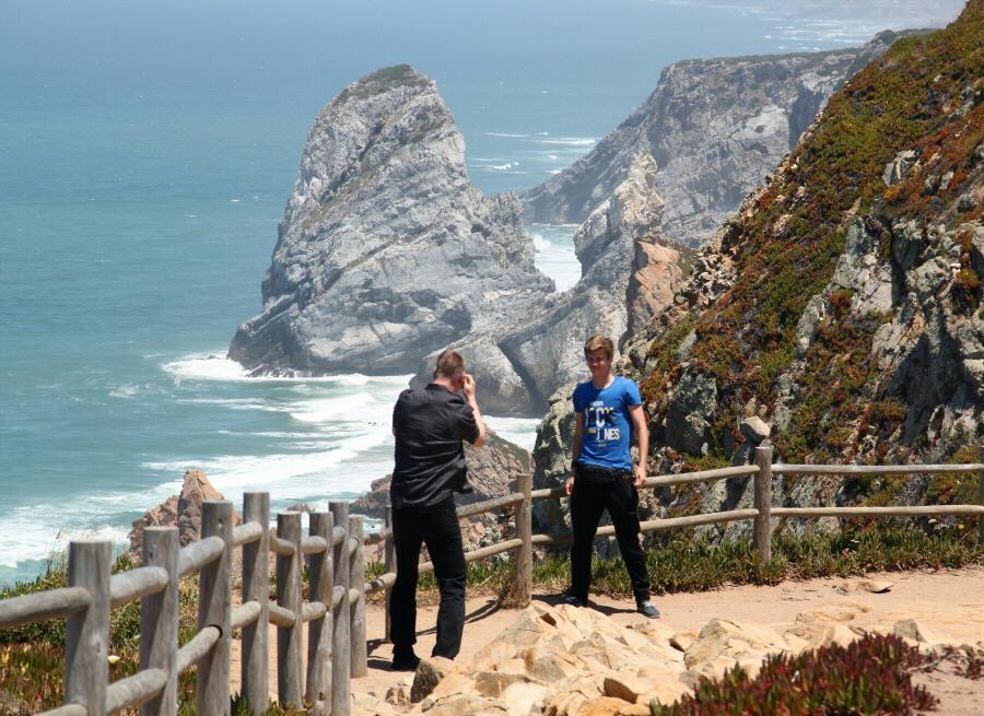 Acantilados junto al Cabo de Roca en Costa Estoril cerca de Lisboa