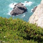 Acantilados en el Cabo de Roca en Costa Estoril cerca de Lisboa
