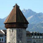 Torre del Agua del puente medieval de madera de Lucerna