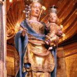 Imagen de la virgen en el retablo de la Catedral de Tarazona en Aragón