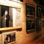 Retratos de huéspedes famosos en la Hacienda Zorita cerca de Salamanca