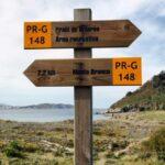 Señalización en la ruta de senderismo Caminos do Mar en Costa da Morte