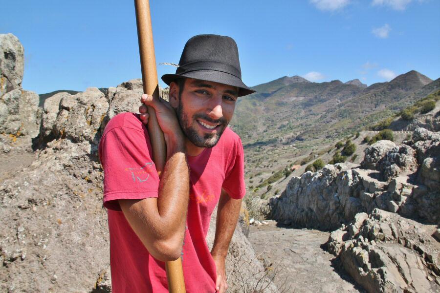 Damián Acosta, joven practicante del Salto del Pastor Canario