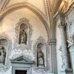 Detalle del pórtico de la Catedral de Lucerna